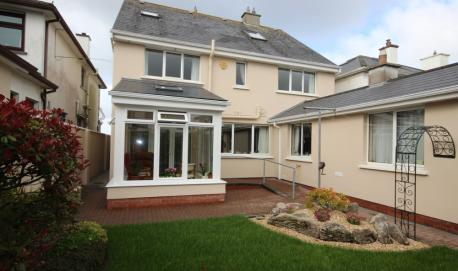 Porch / Sun Room with wheelchair access Salthill